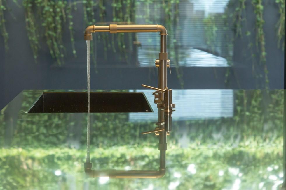 הברזים של WATERMARK - מיטב העיצובים באסתטיקה נקייה, בגוונים ייחודיים ובגימורים אלגנטיים. צילום: אדי ישראל