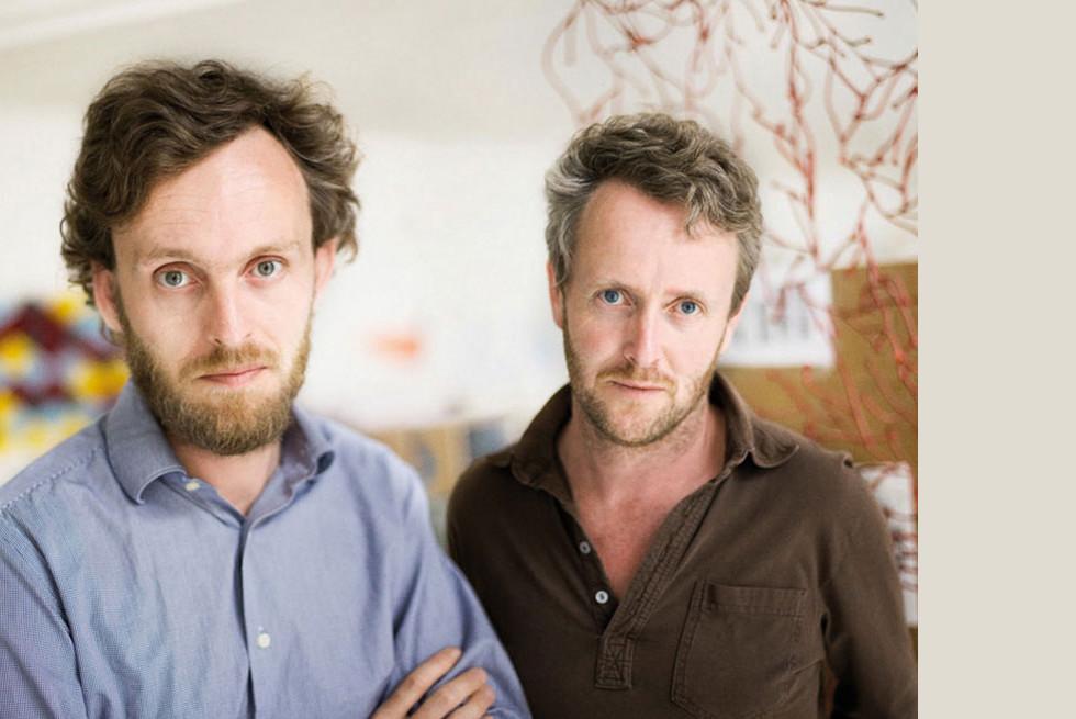 המעצבים: Ronan & Erwan Bouroullec
