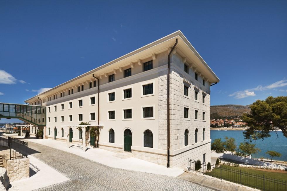 המלון ממוקם בתוך מבנה משוחזר בקפידה שנבנה בראשית המאה ה -20 , צילום: אסף פינצ'וק