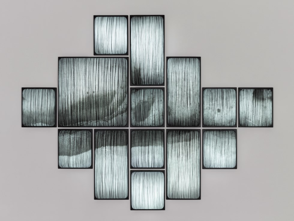 simon-says-dark-snow-custom-printed-wall-installation-aqua-creations-credit-albi-serfaty