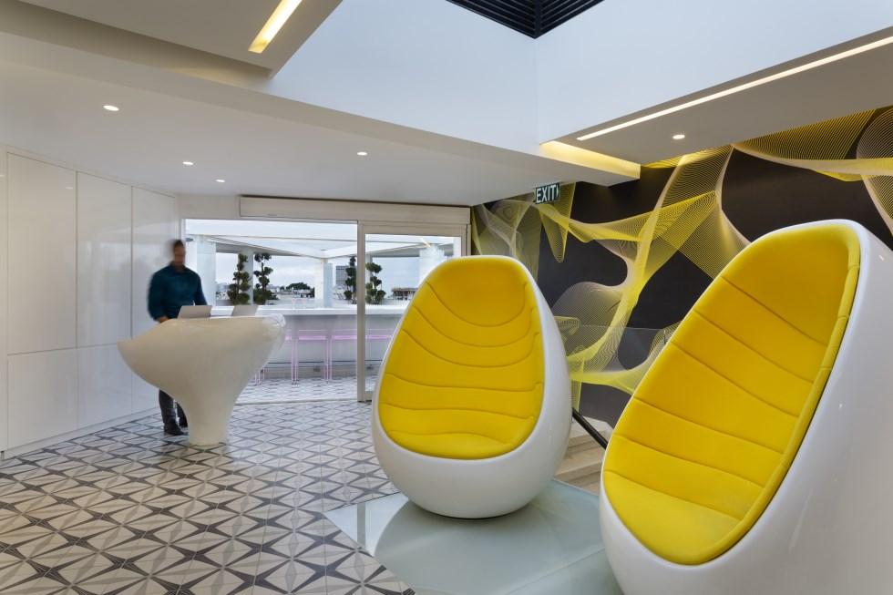 עיצוב עכשווי, נועז וצבעוני - מלון פוליהאוס, צילום: אסף פינצ'וק