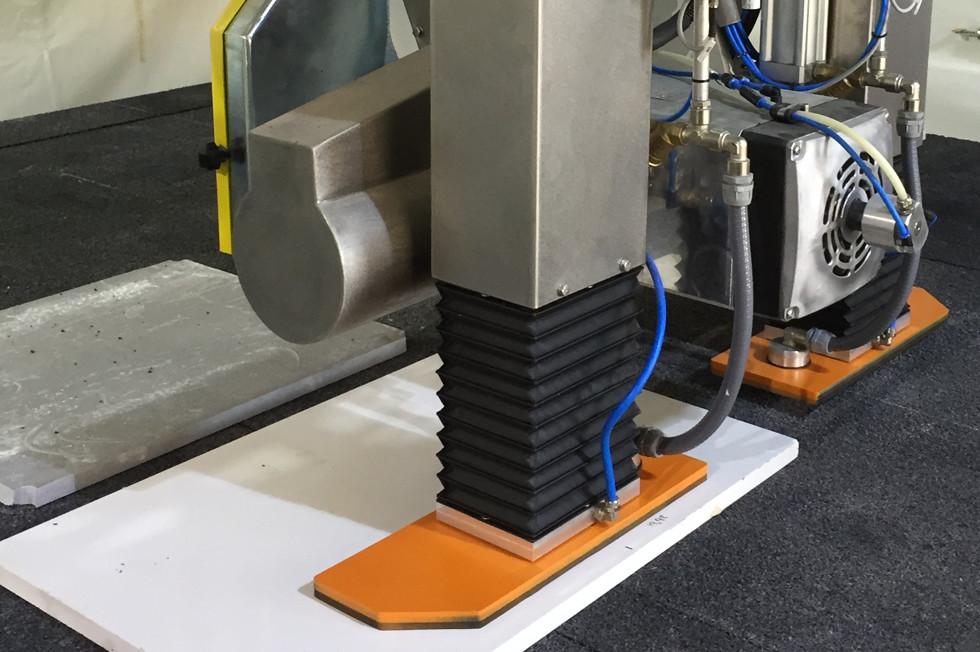 מכונה cnc איטלקית הנחשבת לטובה בעולם עם יכולת חיתוך, עיבוד וכרסום חוצה גבולות