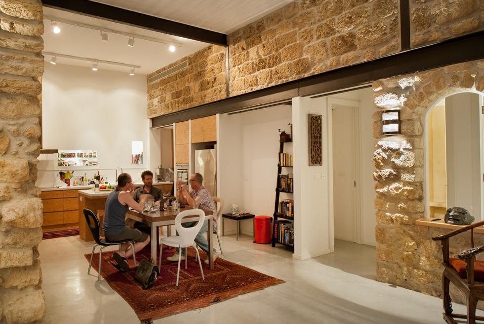 קירות אבן כורכר עבים, צילום: עמרי אמסלם