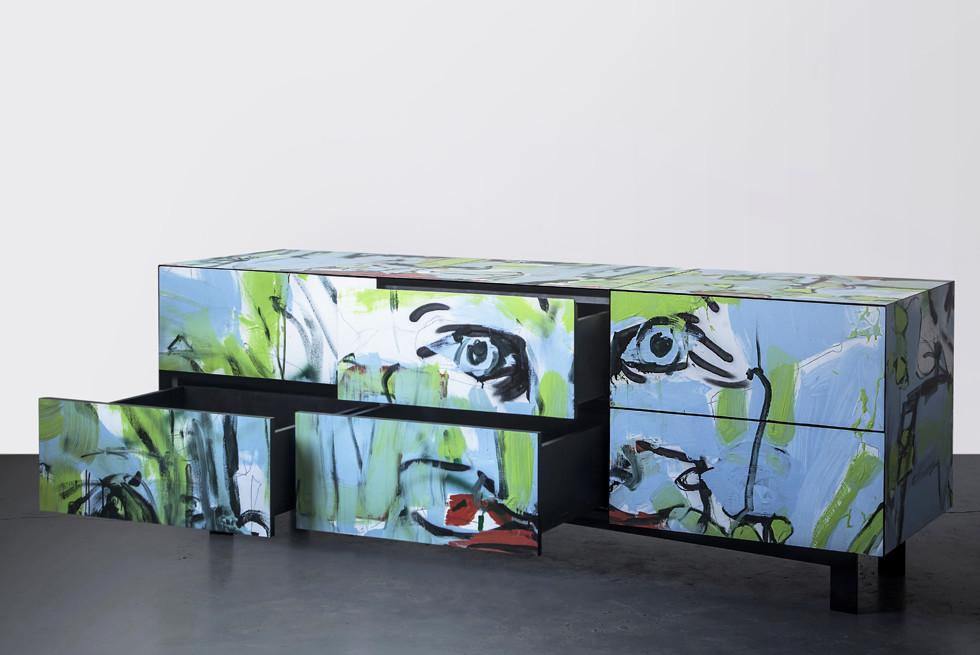 סדרת רהיטים בהשראת אמנות רחוב. צלם: יואב גורין