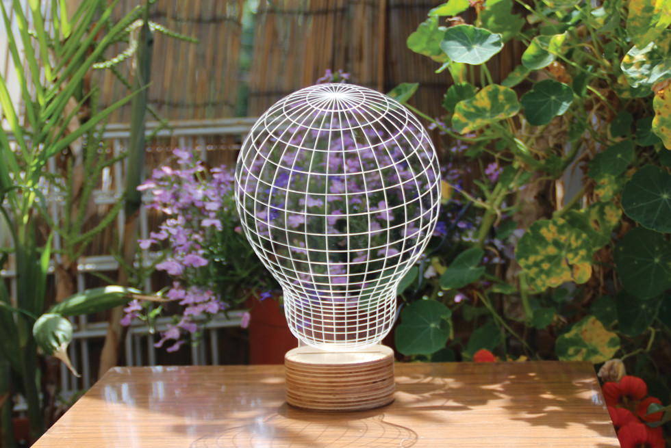 דגם BULBING lamp - פרשנות חדשה לנורה המסורתית