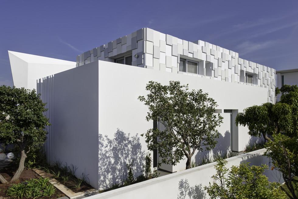 הבית מוגן על ידי מערכות אזעקה משוכללות של HOMTECH, צילום: Studio Smadar - עודד סמדר
