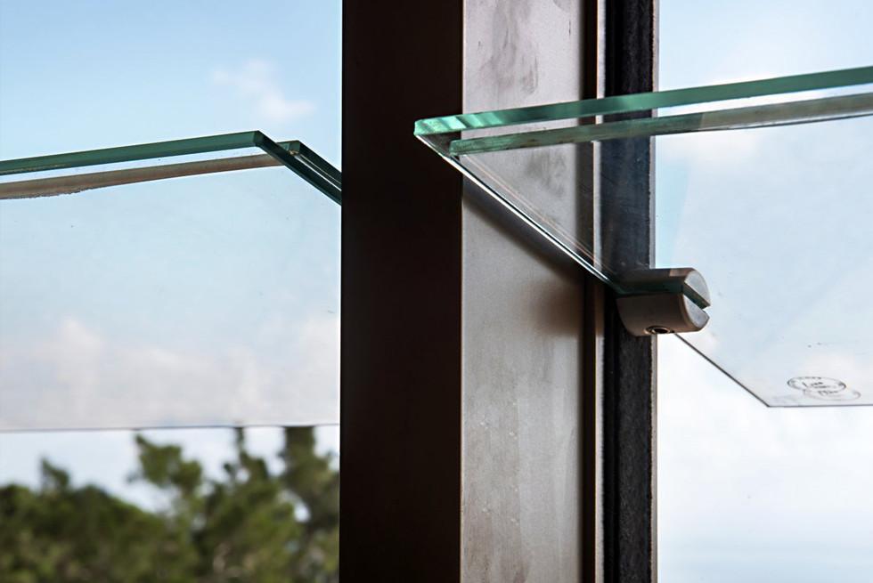 זכוכית עבה ומחוסמת