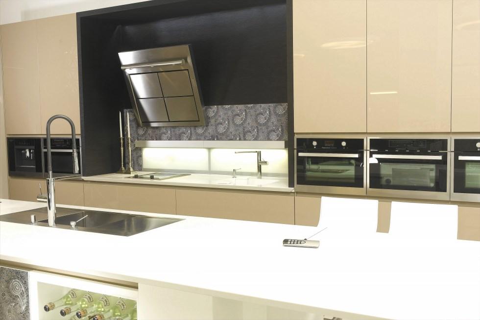 """Decor מטבח עם שני תנורים, צילום: יח""""צ"""