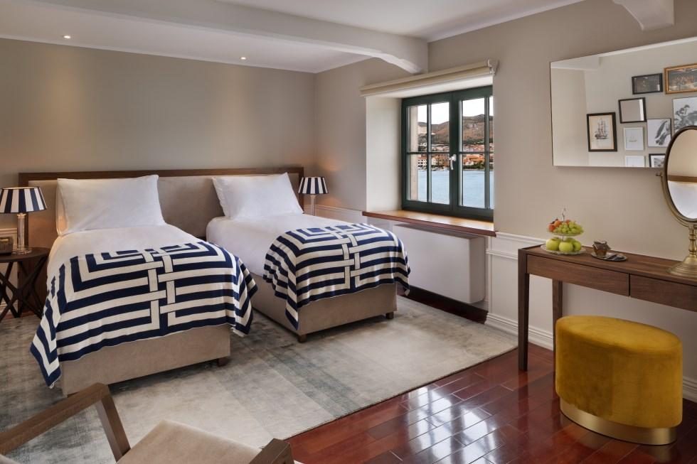 חדר במלון הצופה לים האדריאטי, צילום: אסף פינצ'וק