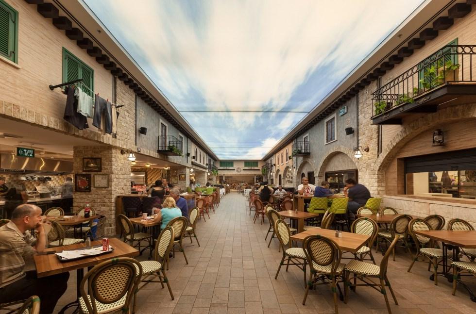 אדריכל מיקלה סימאונה, מרכז קניות בנצרת עילית