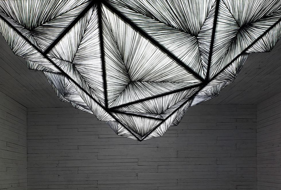 Custom Pyramid ceiling fixture in Stone silk - יצירות פיסוליות ומוארות שמשאירות חותם ייחודי