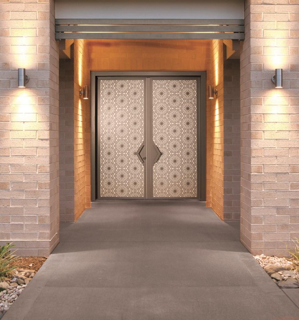 דלת אמנותית - דלתות רשפים