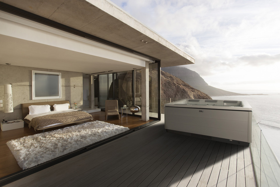 stil-modern-hot-tub-ocean-view